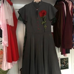 Grey appliqué rose dress